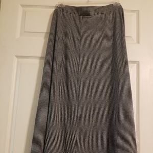 NWT Simply Emma Long Skirt